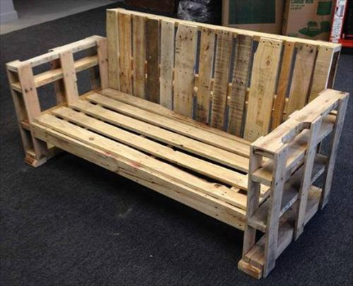 Canap chaise banc un meuble en palette pour tous - Comment faire un bar avec des palettes ...