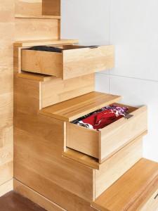 tiroirs sous escalier